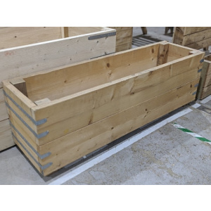 Scaffold Board Planter Side View