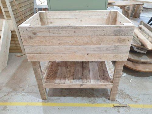 Pallet planter with extra storage shelf
