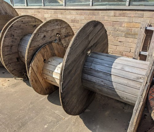 Cable drum reels of various sizes