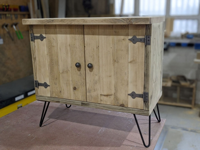 Cupboard with hairpin legs