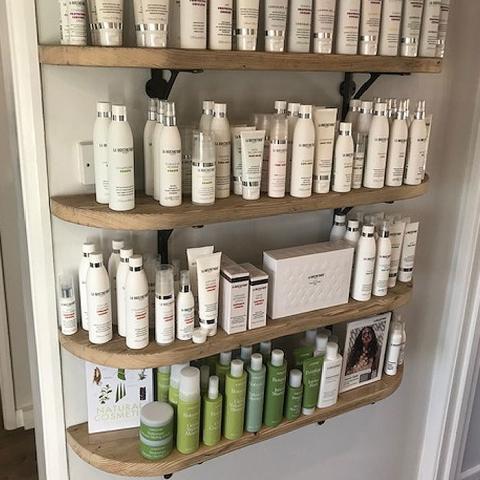Shelves for hairdresser