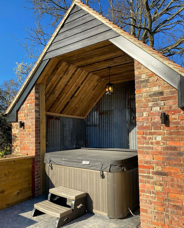 """Hot tub barn with pallet ceiling at """"The Oaks"""" Durley"""