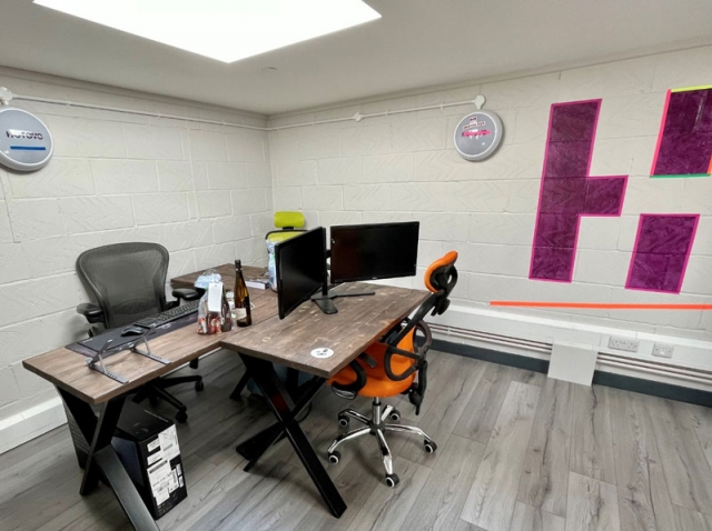 Bank of desks for Hotovo offices