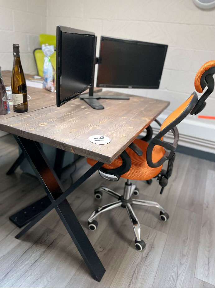 Reclaimed wooden desk for Hotovo offices