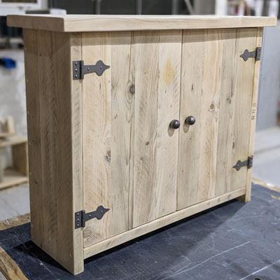 Narrow alcove cupboard