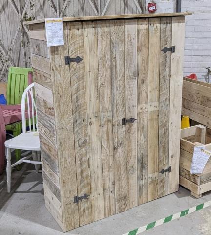 Pallet wood outdoor storage unit